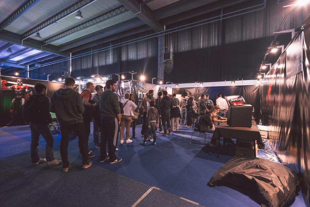Za isprobavanje HTC Vive demoa gužva je od otvorenja sajma